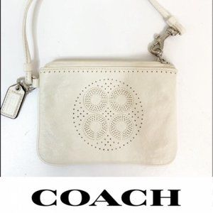 Coach White Wristlet HangTag included Bag